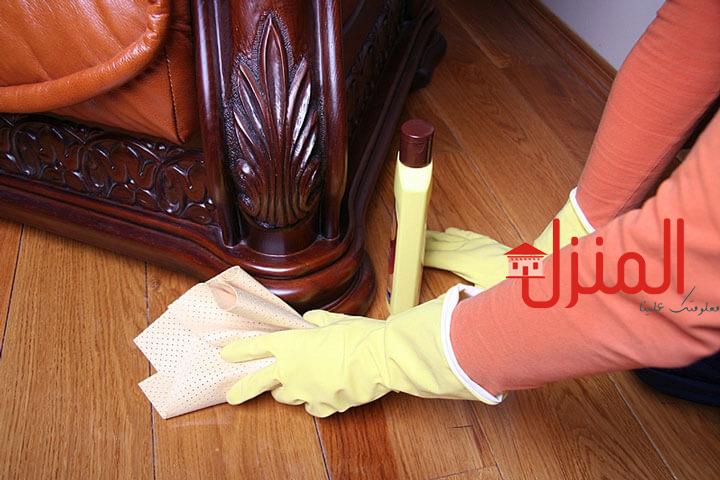 تنظيف الاثاث فى المنزل