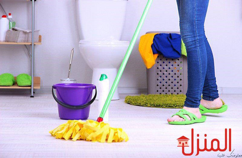 تنظيف الحمامات وتعقيمها