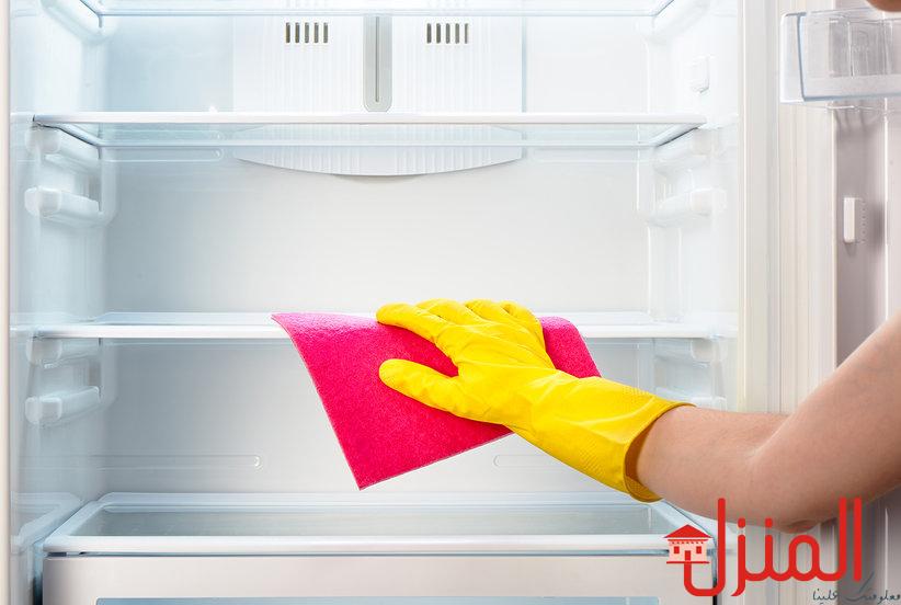 الطرق الصحيحه لتنظيف الثلاجات